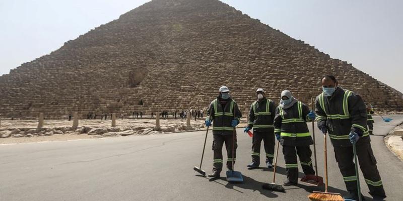 LIMPIAN PIRAMIDES EGIPTO